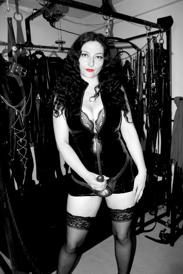 london-strapon-mistress-clarissa